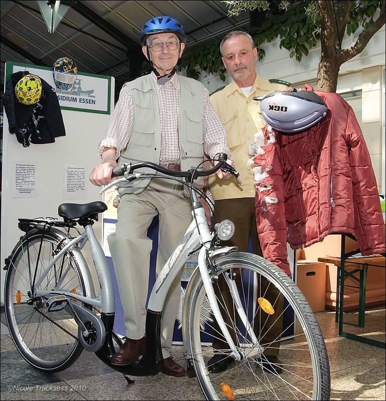 Sie betrachten ein Bild aus dem Artikel: Aktion 'Sicheres Radfahren für Senioren'